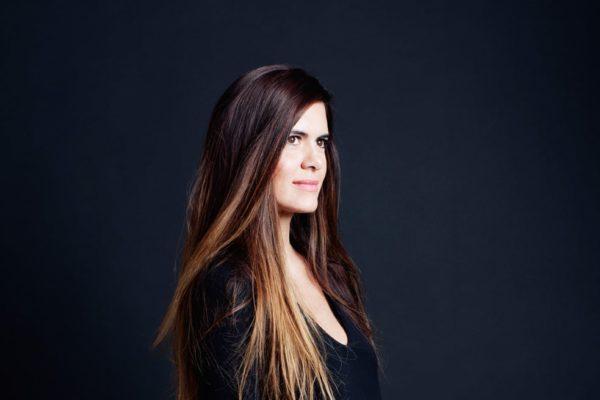 Anne Fontaine success story d'une militante créant sa première collection à 22 ans, un mélange de génie, de douceur et d'authenticité.