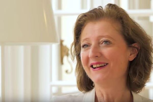 Au-secours-elle-est ambitieuse business-o-feminin