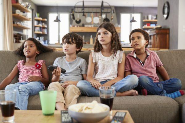 Les enfants confrontés à l'inégalité des sexes à cause de la télé