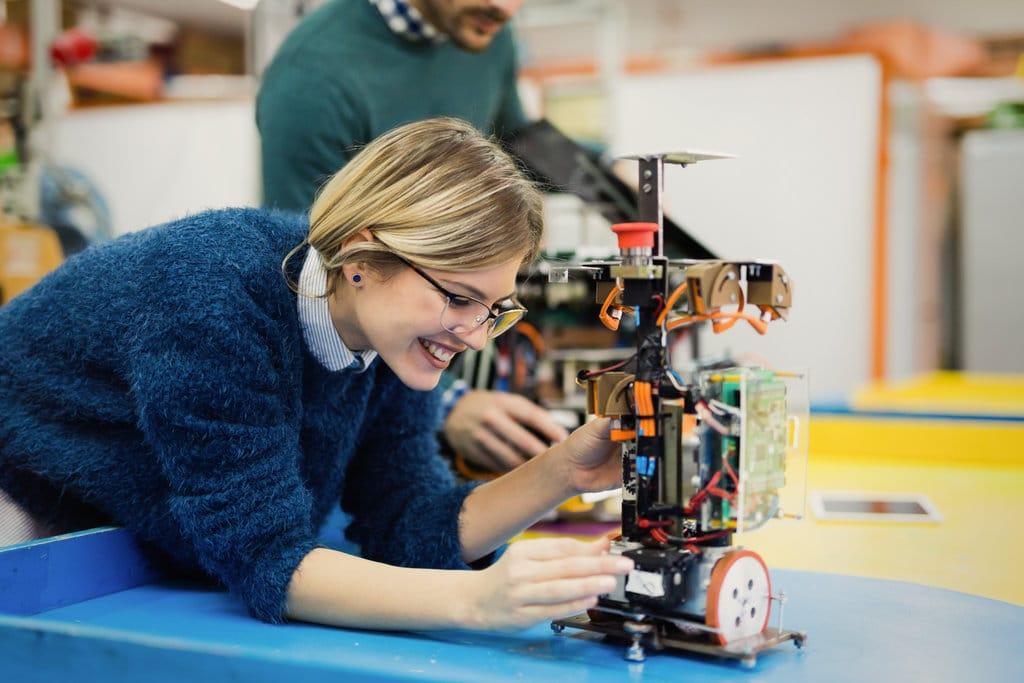 Les jeunes Françaises enfin prêtes à changer le visage de l'ingénierie