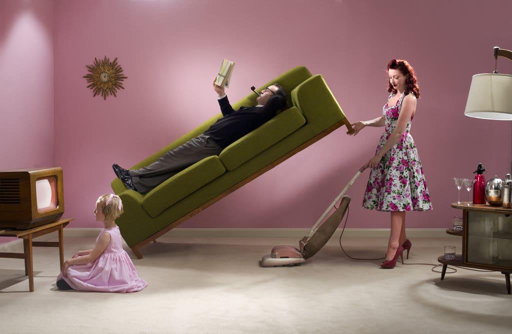 Les femmes mariées consacrent plus de temps aux tâches ménagères que les mères célibataires