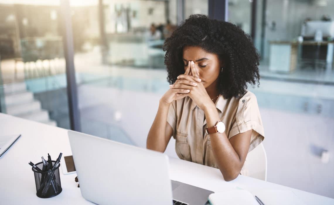 Addiction au travail : quels sont les symptômes et comment s'en sortir ?