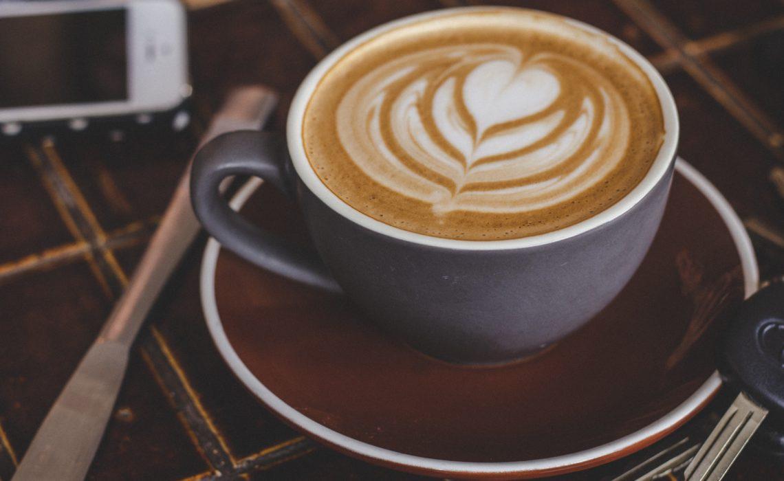 Une pause café… sans café : dix alternatives pour ne pas piquer du nez