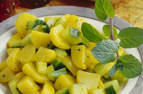 La salade de pommes de terre à la la menthe !