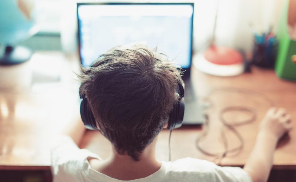 Bibliothèque numérique des enfants : des classiques à lire ou à écouter en ligne