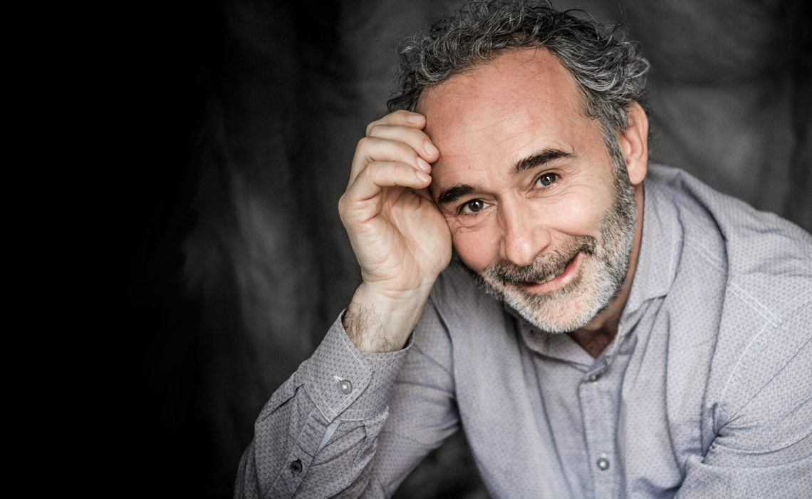 Arnaud Riou: son regard de chaman sur la crise