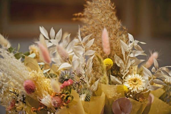 Comment faire sécher les fleurs : DIY et astuces !
