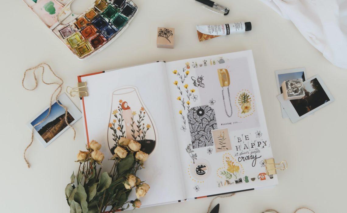 Développer votre créativité en tenant un art journal