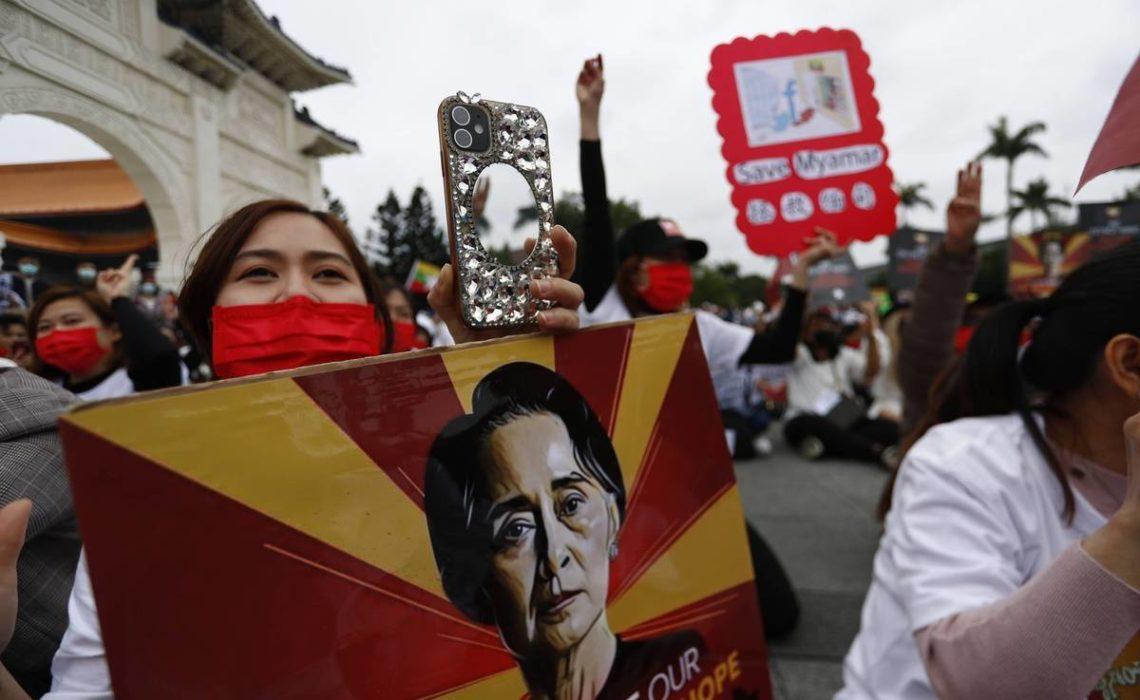 En Birmanie, Aung San Suu Kyi dans l'attente de son audience