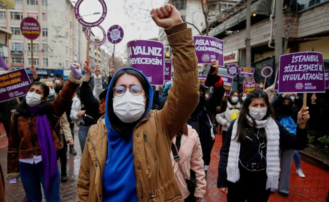 Violences à l'égard des femmes : le bon en arrière de la Turquie inquiète