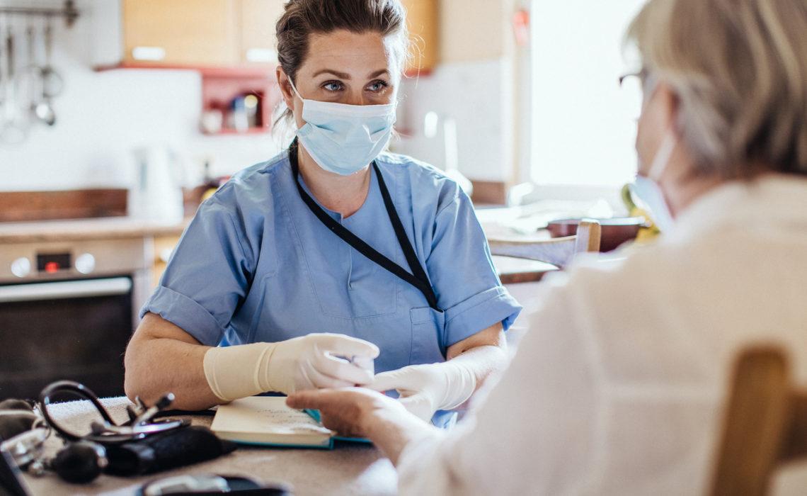 L'OMS reconnait le rôle essentiel des femmes dans le secteur de la santé