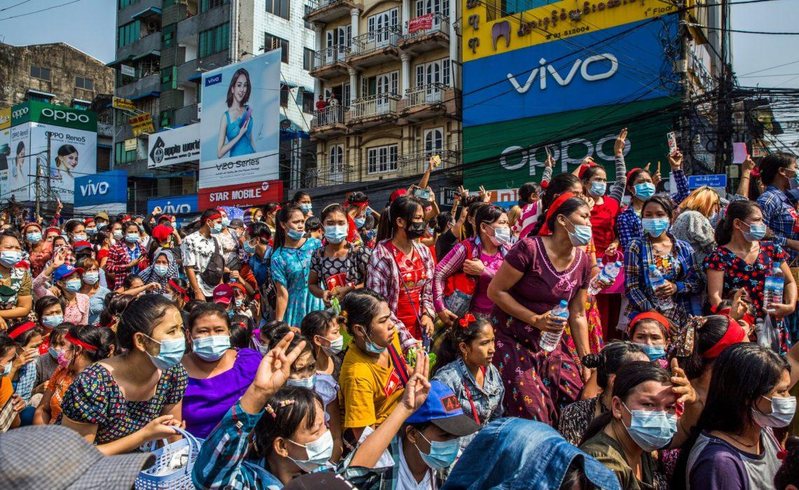 Birmanie : les femmes sur la ligne de front de la révolte