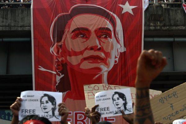 Aung San Suu Kyi visée par de nouvelles poursuites pénales