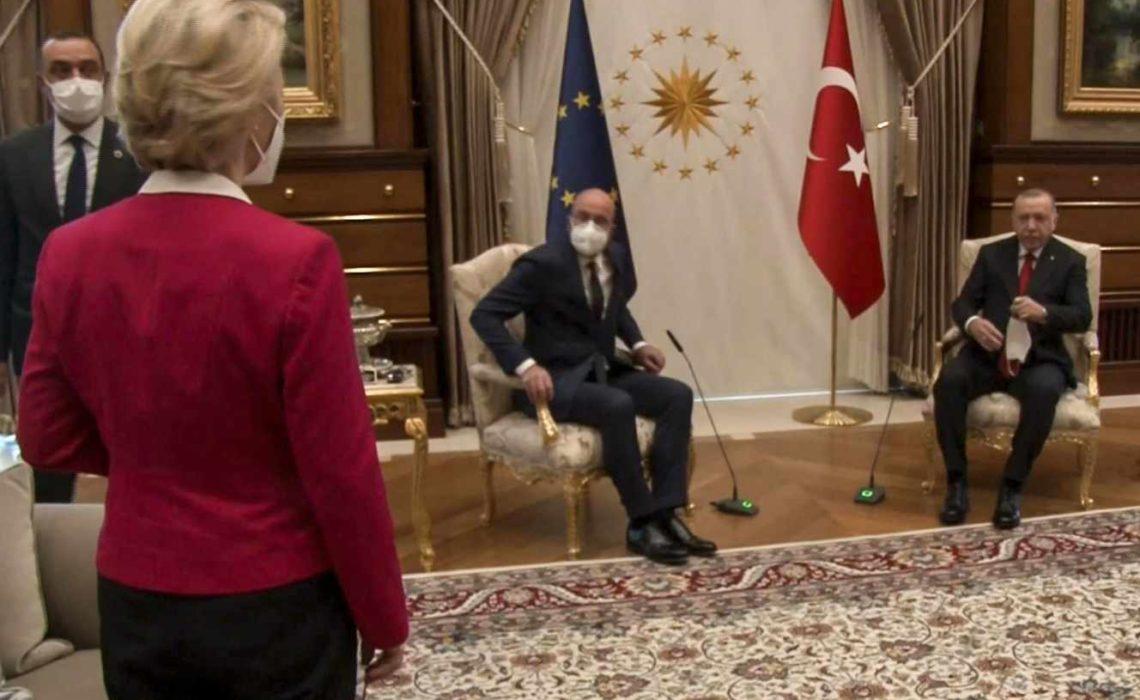 Ursula von der Leyen : faute sexiste de protocole à Ankara