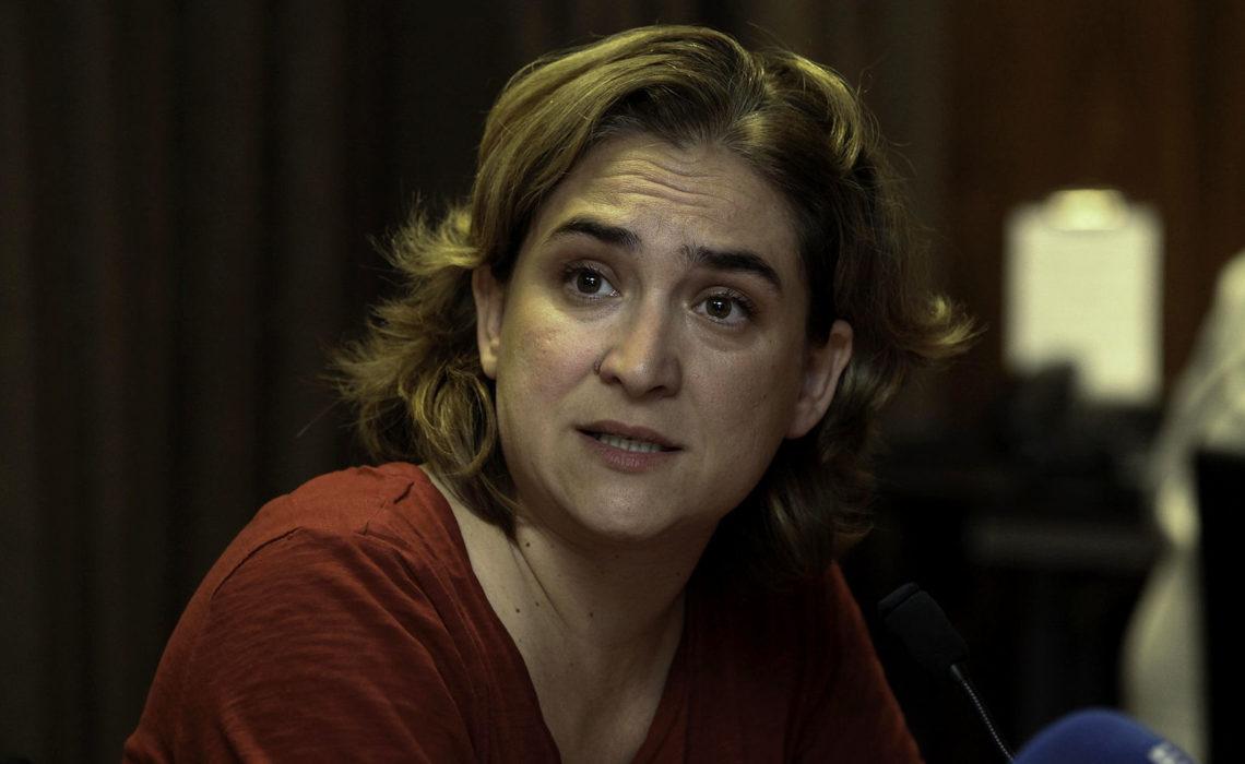 Pourquoi Ada Colau, maire de Barcelone, quitte t-elle Twitter ?