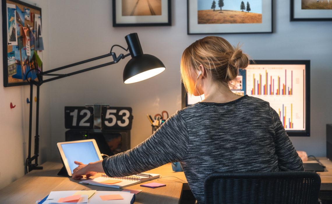 Etude Deloitte : les femmes encore sous-payées et surchargées